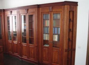 Шкаф для книг, деревянный