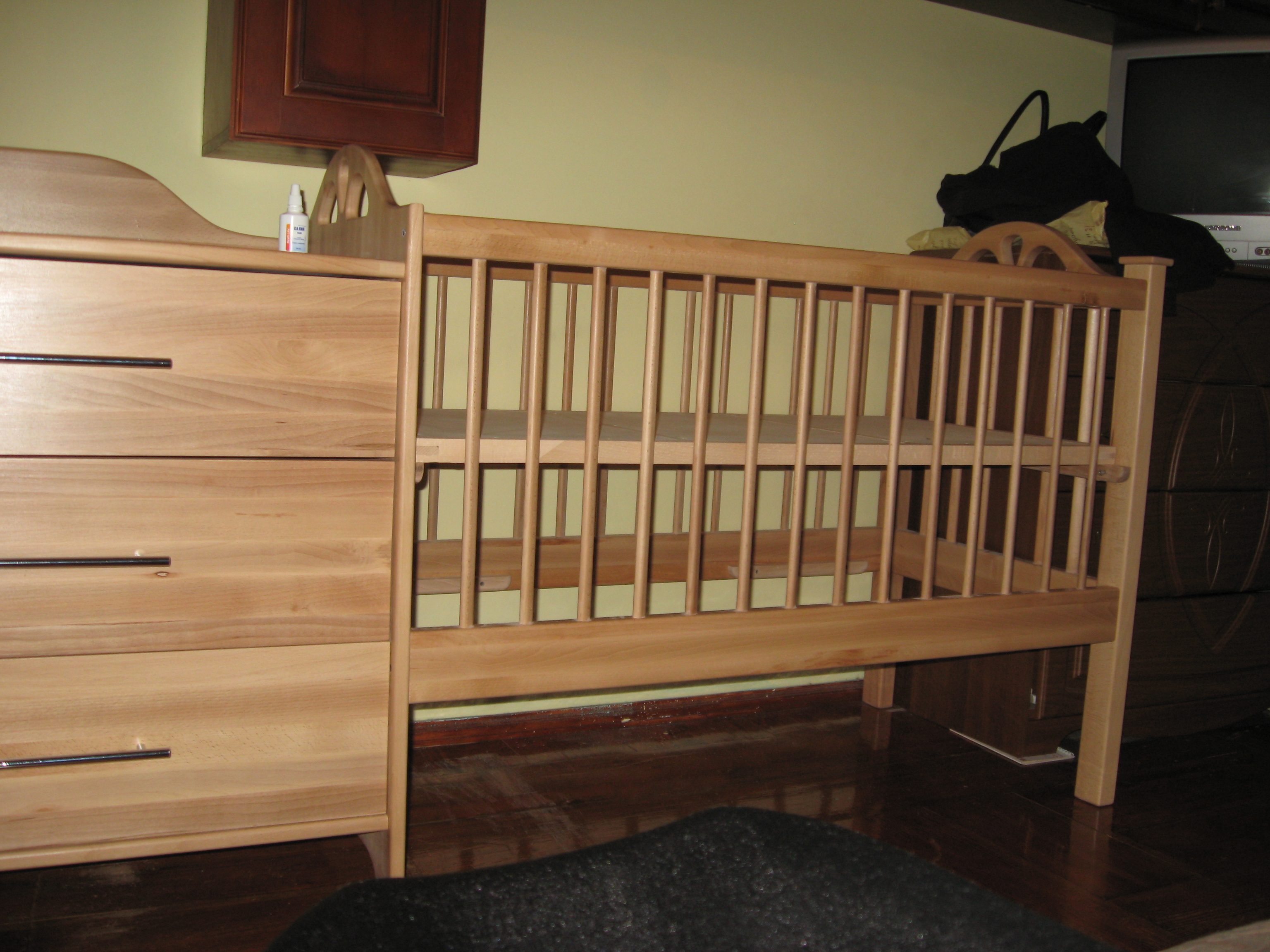 Кровать детская из массива бука
