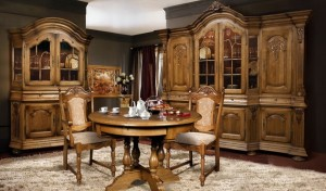 Интерьер с мебелью из массива дерева