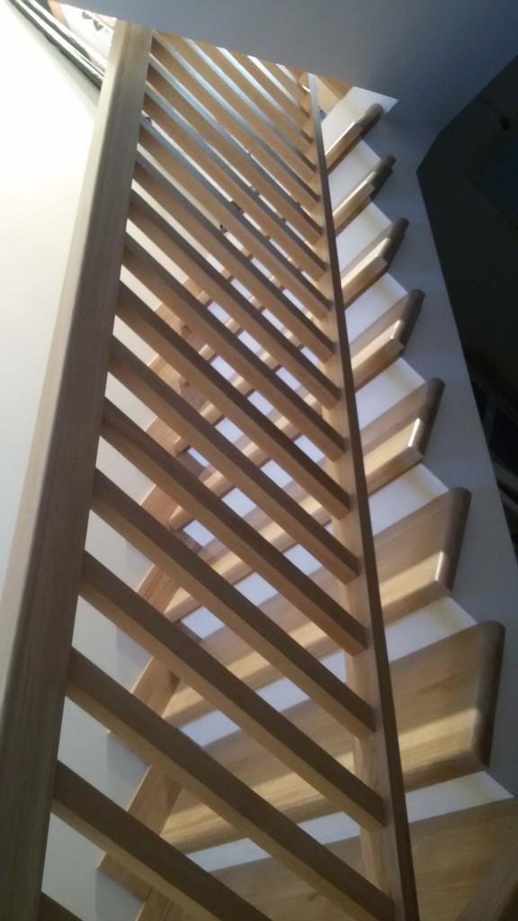 Деревянная лестница из дубового массива